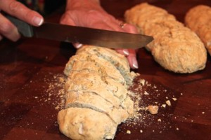 cutting biscotti
