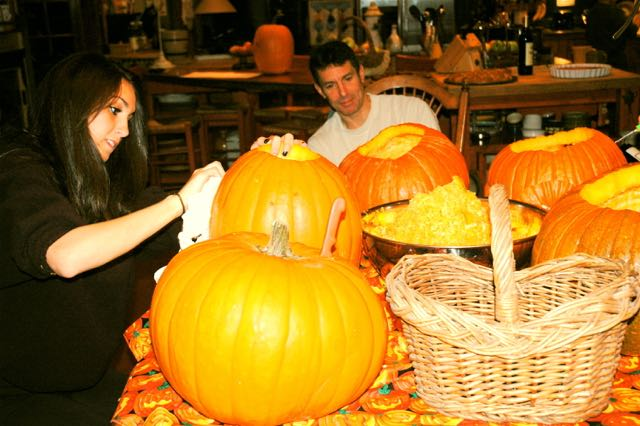 PUMPKIN-CARVING-2010-hard-at-work