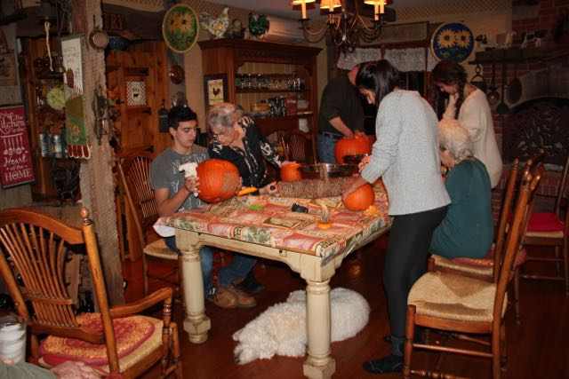 PUMPKIN CARVING WITH BARLI