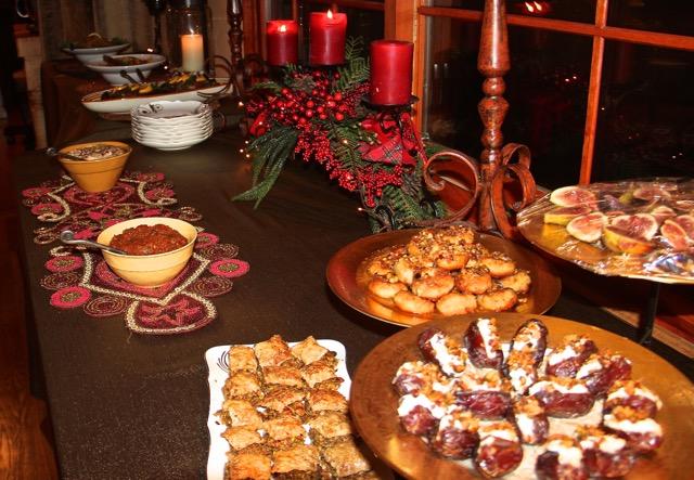 Cuisinicity Renaissance - Katz dinner display on festive Christmas table